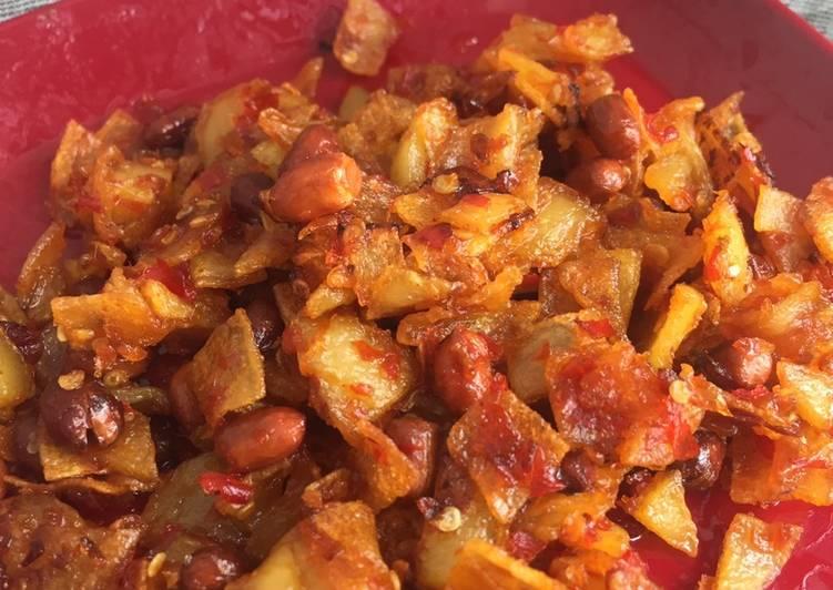 Resep: Keripik kentang sambal kacang istimewa