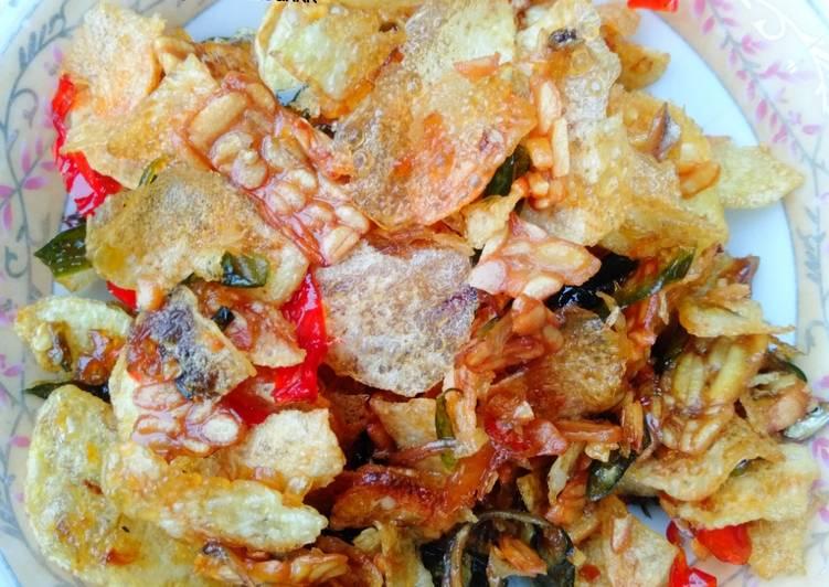 Resep: Keripik kentang,tempe+teri bumbu iris😍