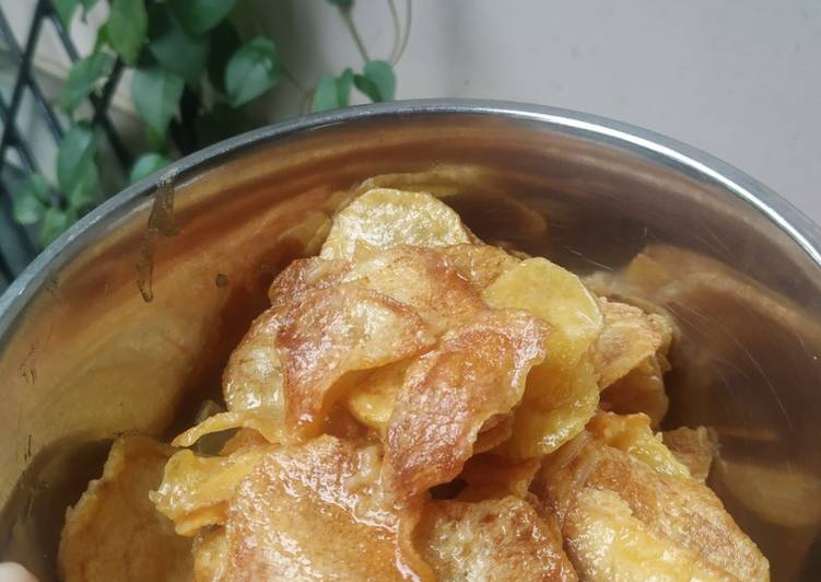 Resep: Salted egg potato chips with cheese