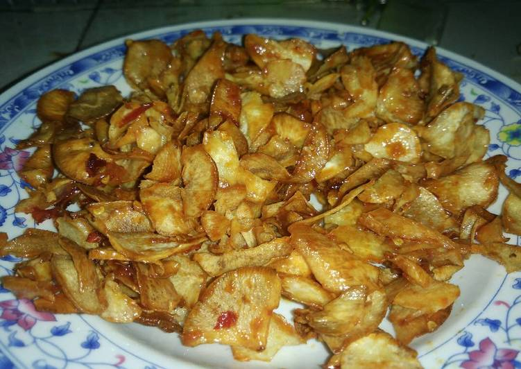 Cara Mudah memasak Keripik singkong pedas manis