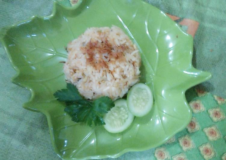 Resep membuat Nasi goreng mawut nugget