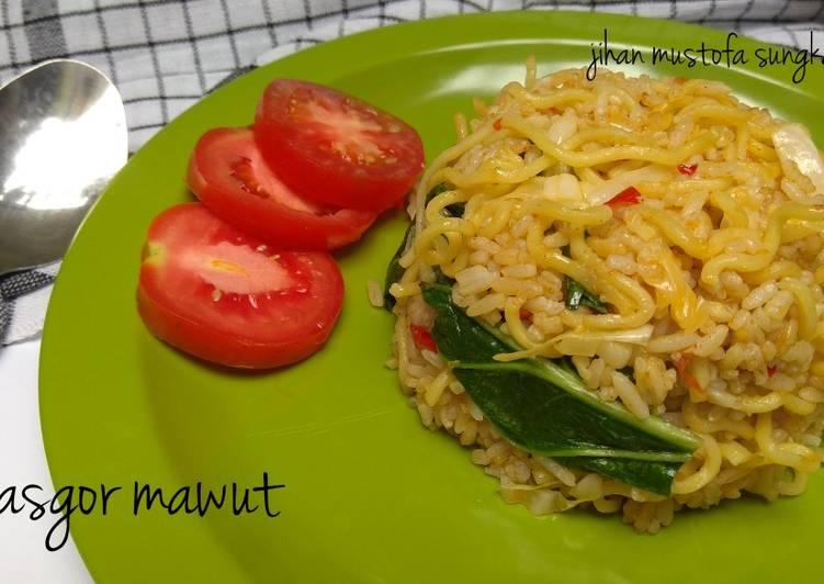 Resep: Nasi goreng mawut #berburucelemekemas #resolusi2019 enak
