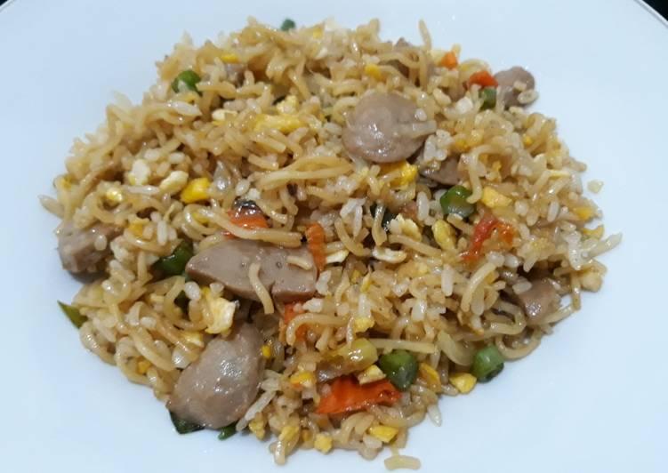 Resep: Nasi Goreng Mawut bawang putih! (Pakai indomie goreng) lezat