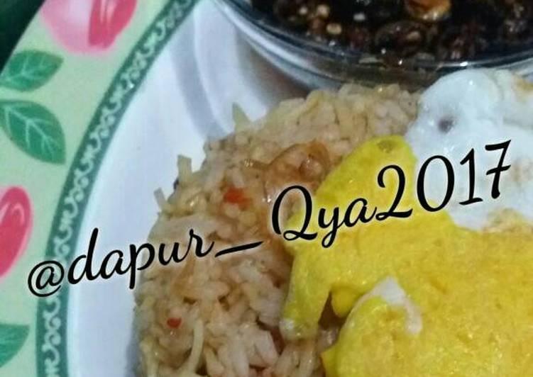 Resep: Nasi goreng mawut bawang merah istimewa
