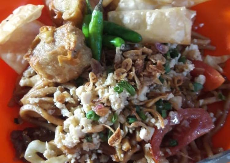 Resep: Mie goreng topping ayam ala cwie mie