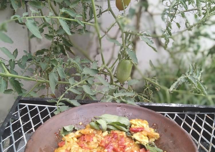 Resep: Penyet tempe kemangi sambel bawang🌶️ lezat