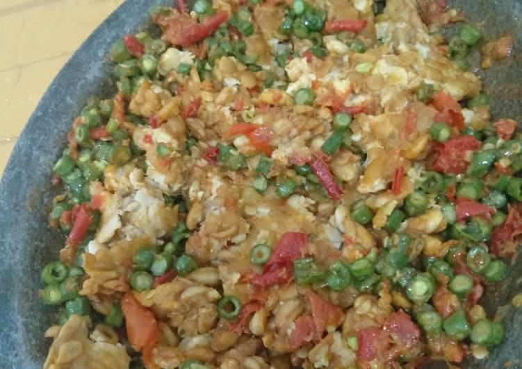 Cara Mudah memasak Tempe penyet sambal pencok enak