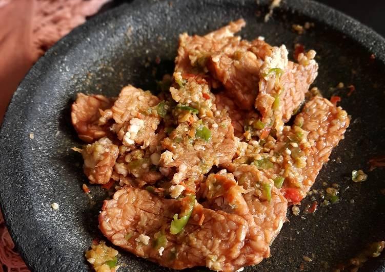 Resep: Tempe penyet sambel bawang