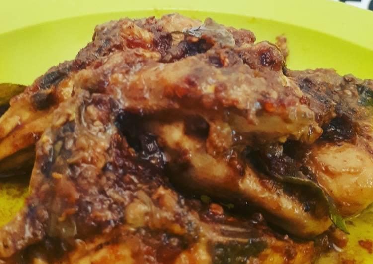 Resep: Ayam bumbu hitam madura