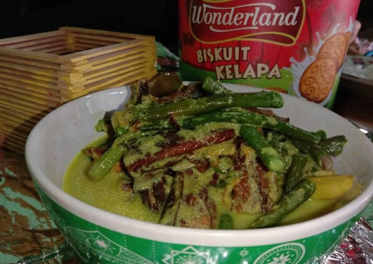 Resep: Gulai hijau lomek salai dan kacang panjang