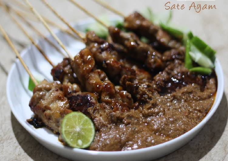 Sate ayam Happy Call saus kacang