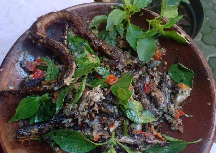 Sambal belut kemangi mudah dan enak