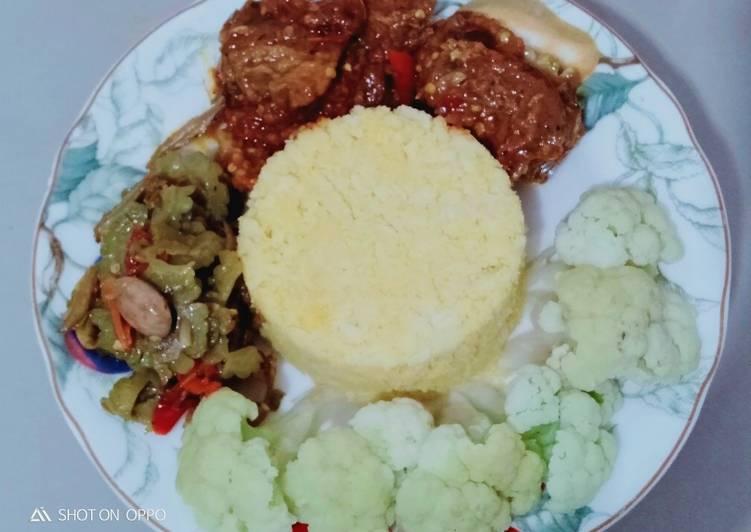 Resep: Nasi Jagung oseng mercon, tumis pare dan bunga kol rebus
