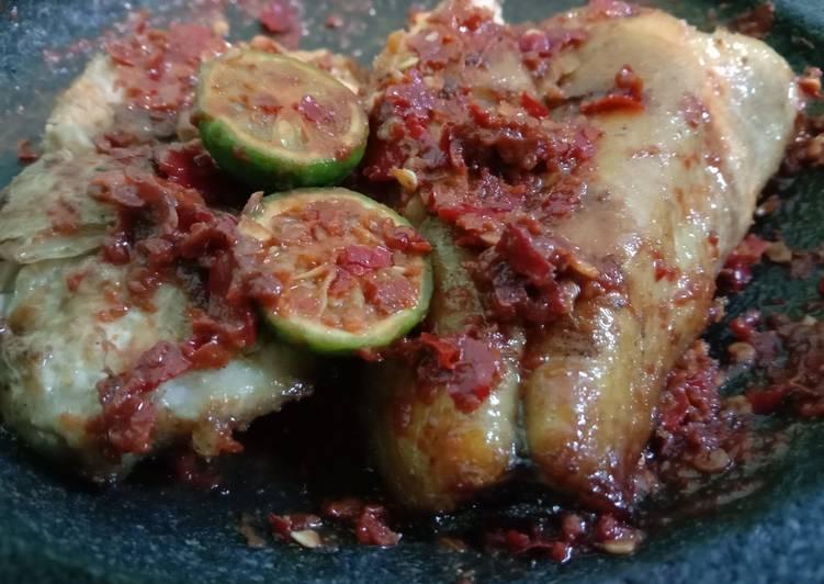 Cara Mudah memasak Sambel jeruk ikan asap manyung lezat