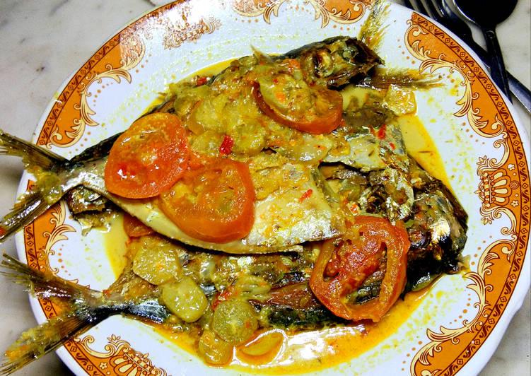 Resep: Ikan Asap kuah Pedas