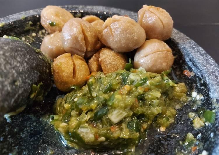 Resep mengolah Bakso goreng sambel ijo🍡