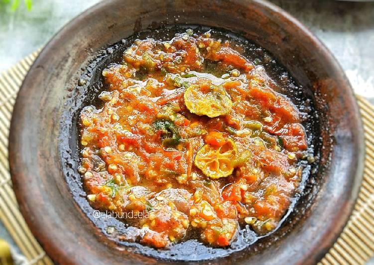Cara Mudah memasak Sambal Dadak khas Sunda