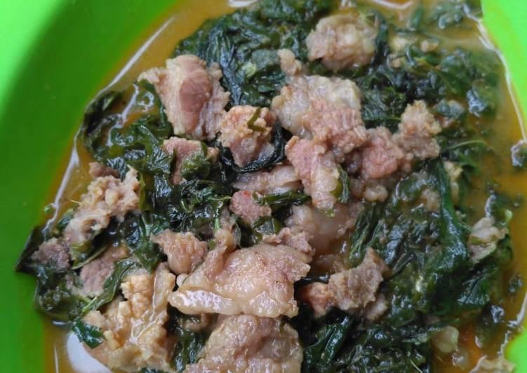 Resep memasak Gulai pedas daun singkong dengan tetelan sapi enak