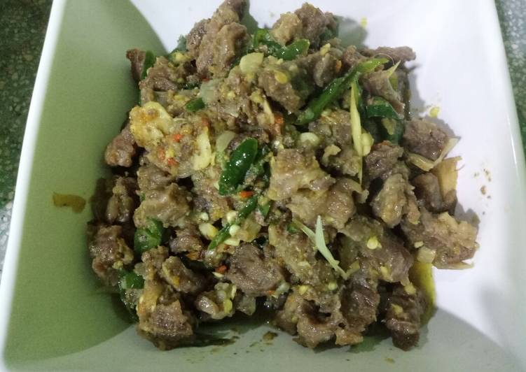 Cara Mudah membuat Tetelan sapi tumis cabe hijau enak