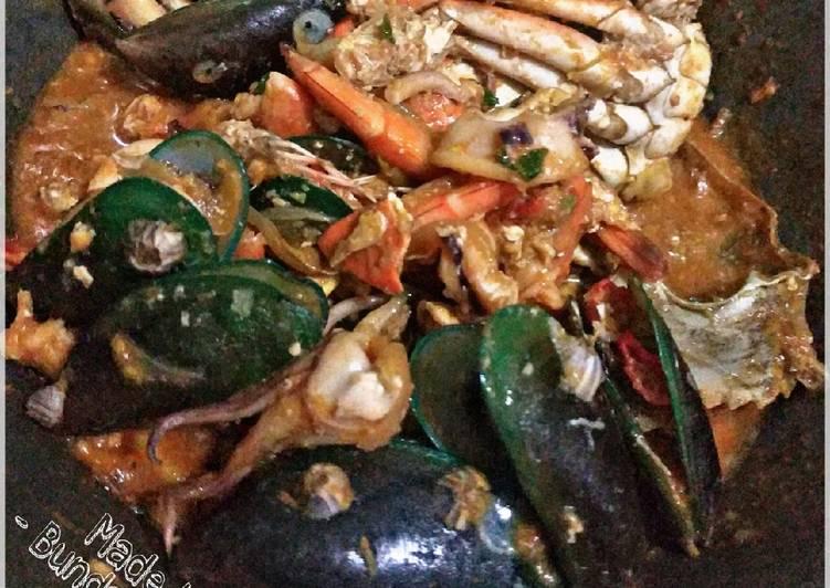 Resep: Kepiting dan Seafood Saus Tiram Pedas lezat