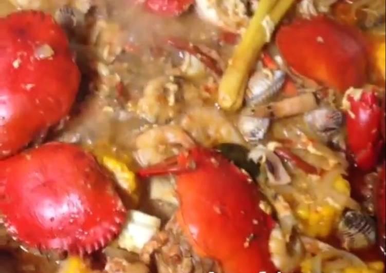 Kepiting saus tiram ala cut the crab