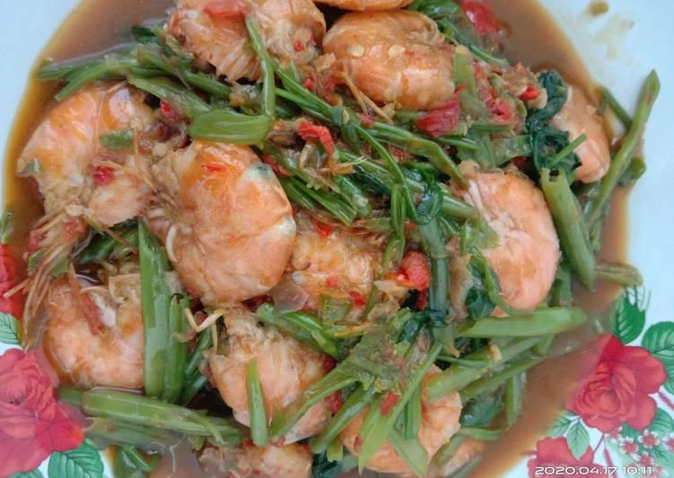 Resep: Tumis kangkung udang saos tiram extra pedas