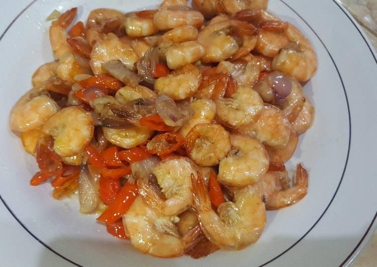 Cara mengolah Udang goreng saus tiram pedas