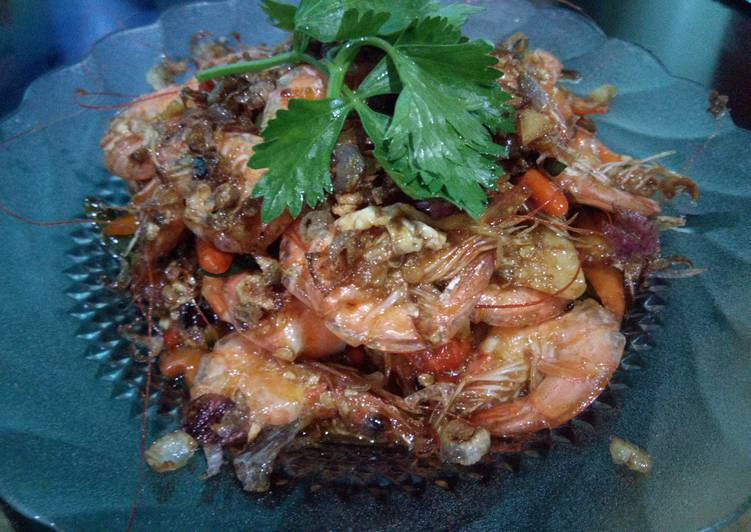 Resep membuat Udang oseng saos tiram lezat