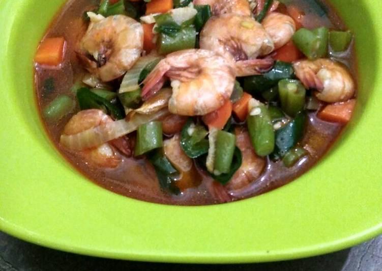 Cara memasak Tumis udang sayuran with saos tiram