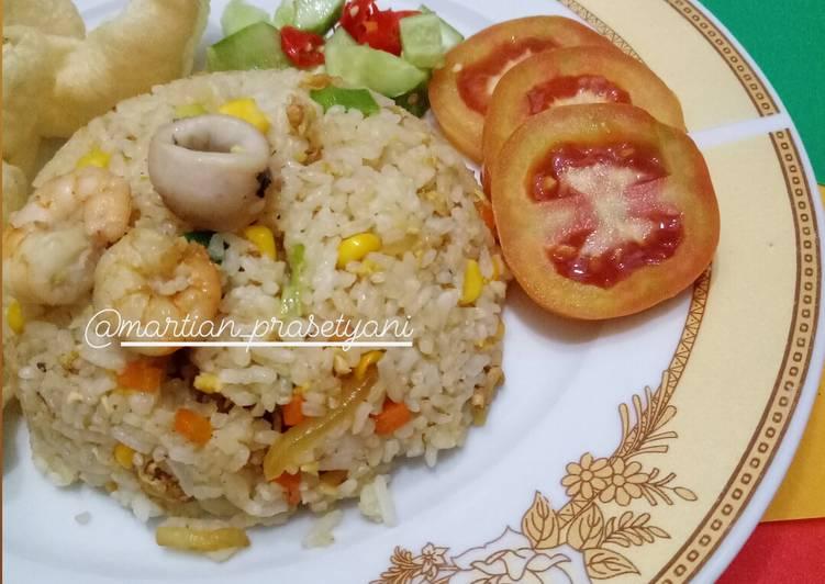 Resep membuat Nasi goreng seafood (Hainan)