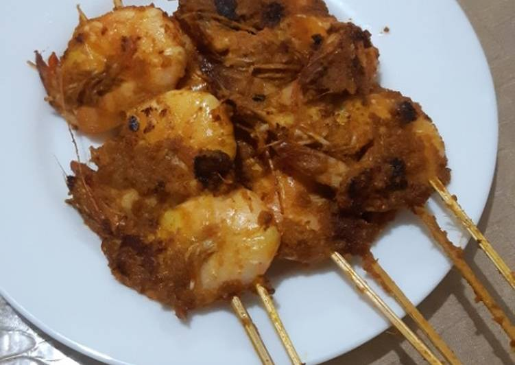 Cara Mudah mengolah Udang bakar bumbu kuning ala warung seafood enak
