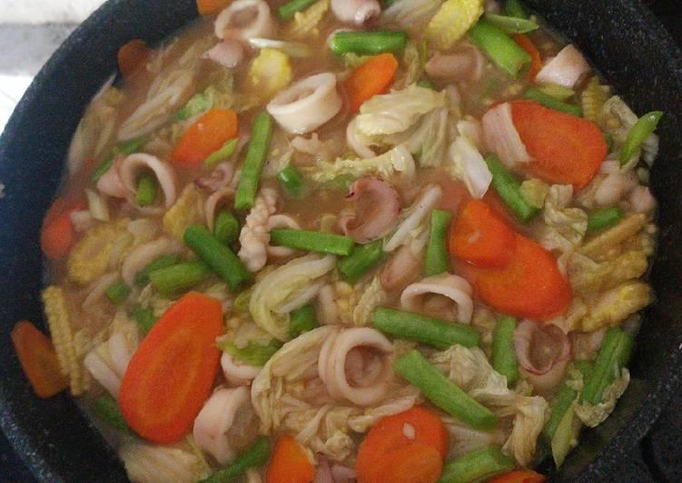 Resep membuat Capcay siram seafood enak