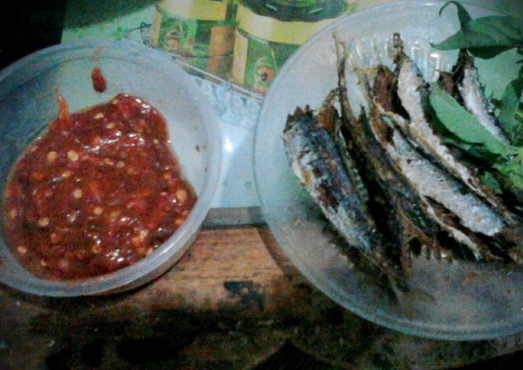 Resep: Ikan laut goreng sambal terasi