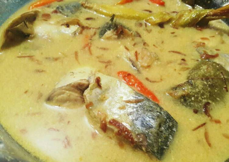 Cara mengolah Gulai ikan laut / gule layang lezat
