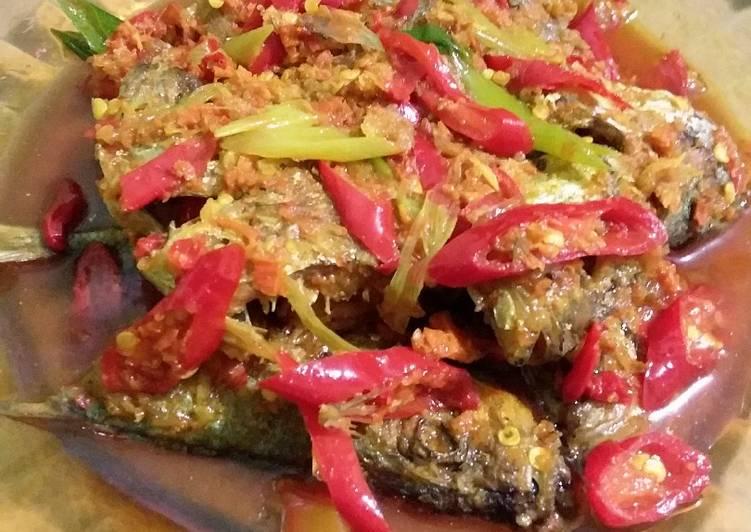 Cara memasak Pesmol ikan kembung istimewa