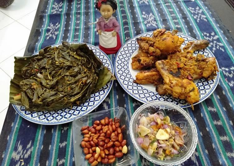 Resep: Ayam Betutu Daun Singkong