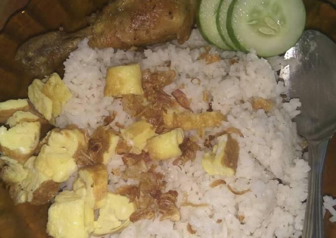 Resep Nasi uduk & ayam ungkep goreng homemade ala Ria