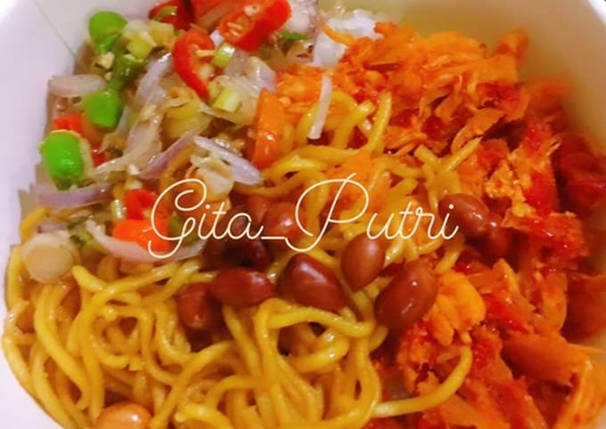 Resep: Ayam Suir Pedas Bumbu Bali + Kacang goreng + Sambal Matah