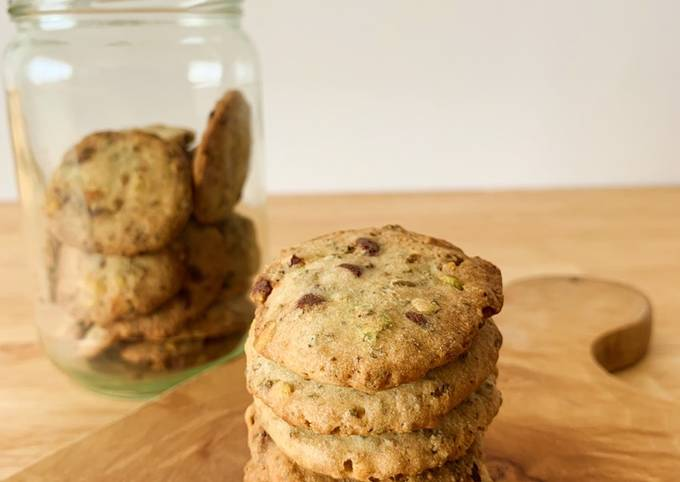 Resep: Kue kering ampas kacang hijau dengan kacang pistachio dan chocolate chips (okara mungbean cookies)