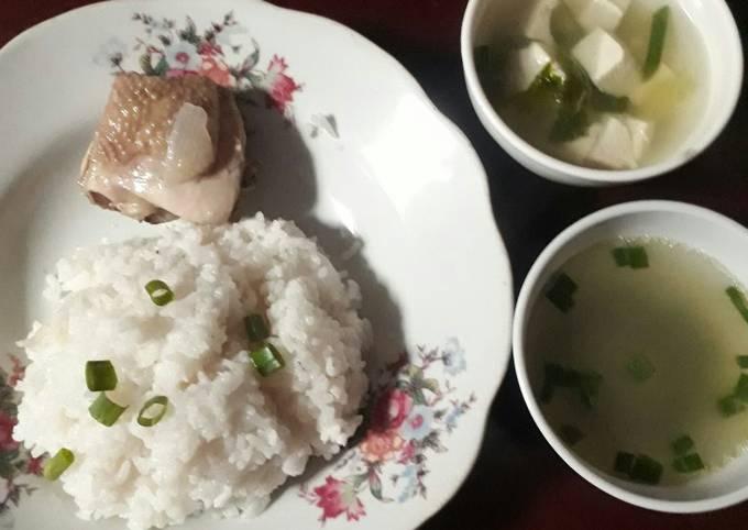 Resep: Nasi ayam hainan ricecooker simpel + sup tahu putih