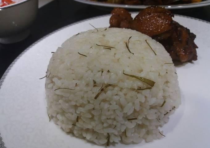 Resep: Nasi daun jeruk ricecooker
