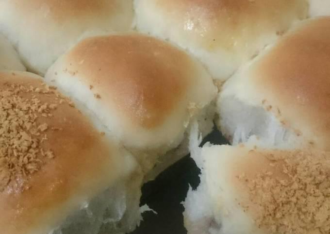Resep Roti bantal eggless empuk nyerat banget