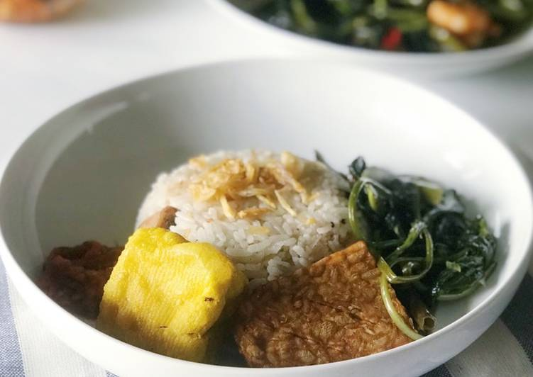 Cara Mudah memasak Nasi Liwet Sunda yang bikin ketagihan