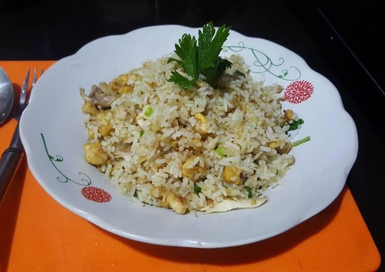 Cara mengolah Nasi goreng rempah kencur/cikur yang menggugah selera