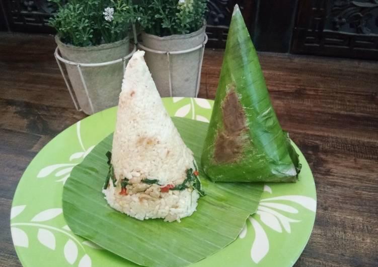 Cara Mudah mengolah Nasi bakar ayam daun kemangi yang bikin ketagihan