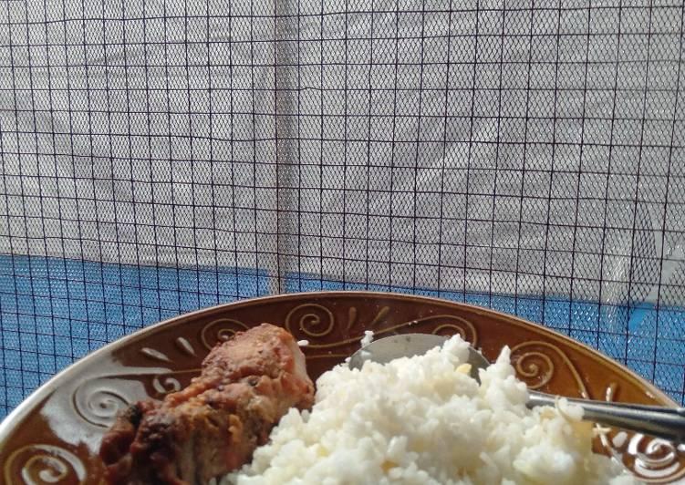 Nasi lemak riau dan ayam goreng