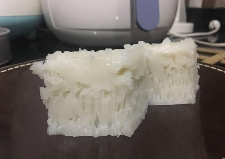 Apem Putih / Pak Thong Koh / Steamed Rice Cake