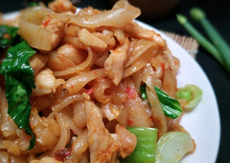 Cara Mudah memasak Kwetiaw Ayam Cikur yang menggoyang lidah