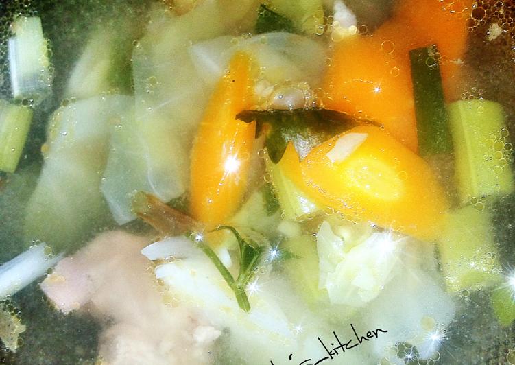 Resep memasak Sop Ayam Kuah Sop Kimlo yang bikin ketagihan