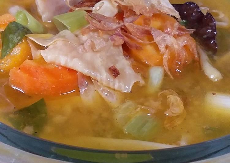 Resep membuat Sop kimlo yang bikin ketagihan